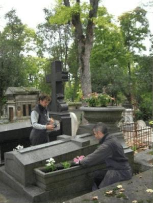 Entretien de tombe au Père Lachaise